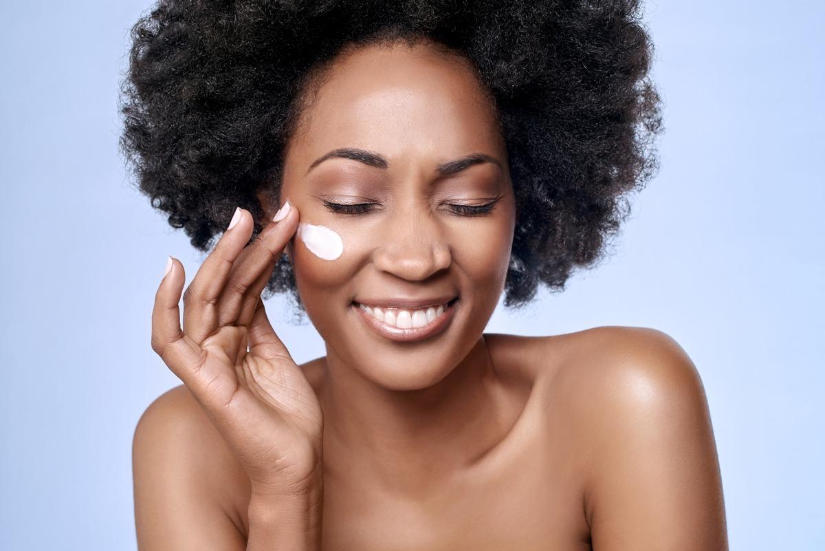 Peaux noires et métissées : prendre soin de sa peau