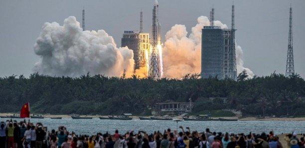 Un morceau de fusée chinoise continue sa chute vers la Terre, sans que l'on sache sa destination