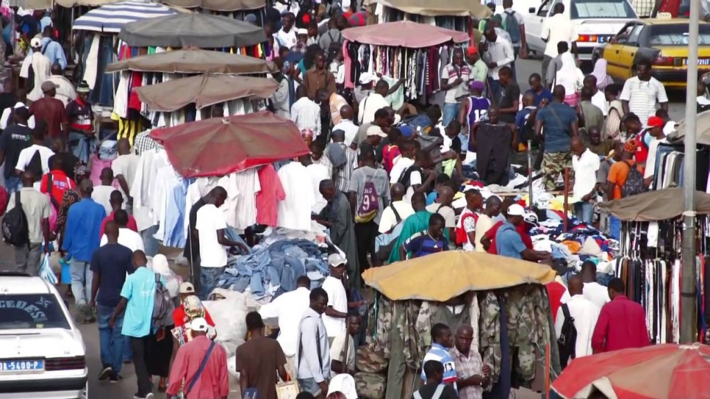 Derniers jours du ramadan : L'heure des vendeurs d'habits et de chaussures