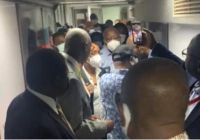 L'avion de l'ex-président Laurent Gbagbo a atterri à l'aéroport d'Abidjan