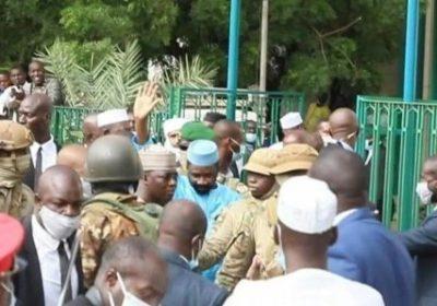 [Vidéo] Mali : Les images de l'arrestation de celui qui voulait poignarder Assimi Goïta