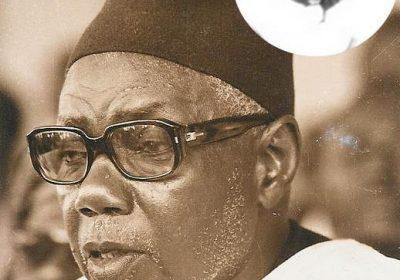 Quand le Président rend hommage à Mame Abdoul Aziz Sy Dabakh ( in Mémoires)