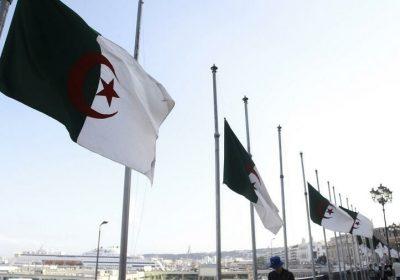 Algérie: drapeaux en berne et deuil «a minima» pour Abdelaziz Bouteflika