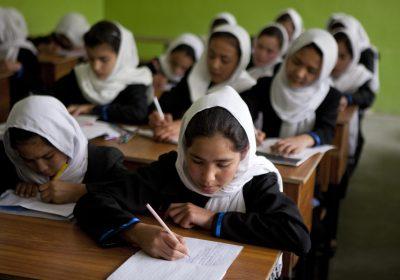 Afghanistan : les filles et les enseignantes exclues de rentrée dans le secondaire