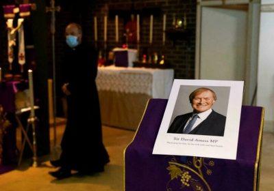 Royaume-Uni: le meurtre du député conservateur David Amess qualifié de «terroriste»